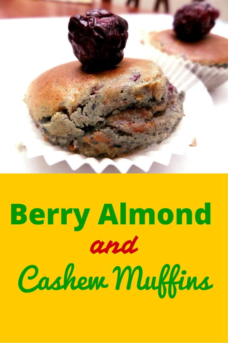 Delicious Berry Almond & Cashew Muffins - something sweet and on-the-go dessert! #PaleoRecipe #PaleoFood #PaleoDessert #Paleo #ProudtobePaleo